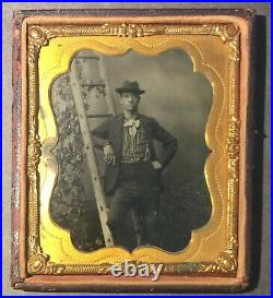 1860s BLACK GENTLEMAN LEANING ON LADDER ACTOR 6TH PLATE TINTYPE