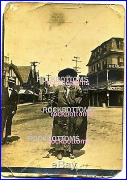 Fascinating Photo African American Busker Street Musician Guitar Robert Johnson