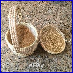 Vintage 1970s Charleston SC Gullah Sweetgrass Basket with Handle and Lid
